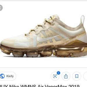 VaporMaxs white gold!!